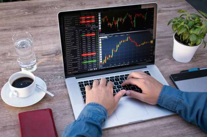Why people prefer to trade forex online?